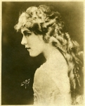 Mary Pickford portrait by Lindstedt - 1919
