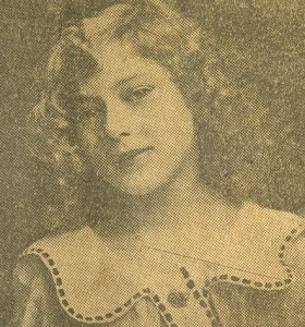 Gladys Smith (May Pickford) age 11