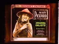 - 1918 - Johanna Enlists