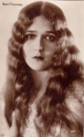 Mary Pickford without her curls - 1925