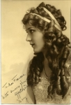 Mary Pickford autographed photo from Mary to Frances Marion, portrait by Hartsook - 1915 (ca.)
