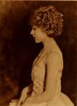 1921 - December - Mary's favorite portrait from <em>Photoplay</em> magazine - 1921