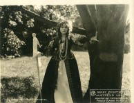 Mary Pickford in Mistress Nell - 1915
