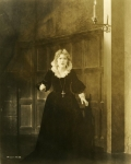 Mary Pickford as Dorothy Vernon in Dorothy Vernon of Haddon Hall - 1924