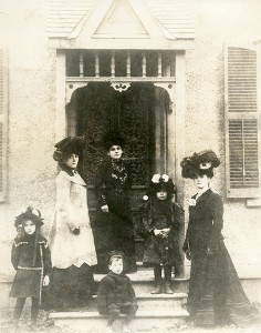 The Pickford family in Toronto, 1899