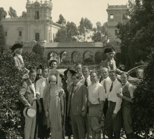 Mary, Lubitsch, and the cast of Rosita