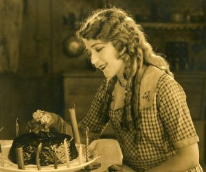 Mary Pickford in Little Annie Rooney