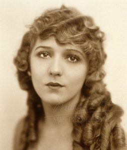 Mary Pickford - The Girl with the Curls
